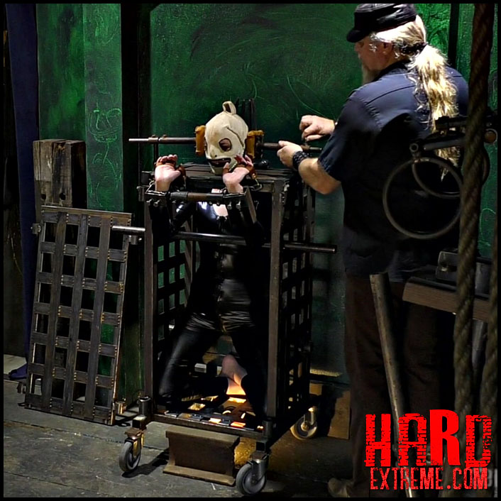 Watch Free Acquired Redhead Gimp Construct - Abigail